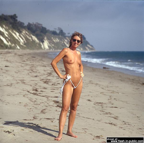 Nude Calif beach girls